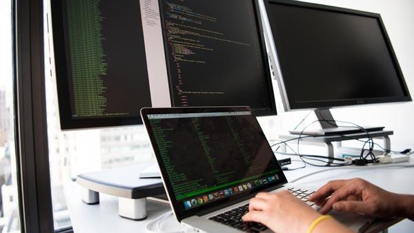 E-shop na zakázku vs. hotové řešení